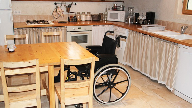 6 Bedroom Wheelchair Accessible Property With Pool And Spa